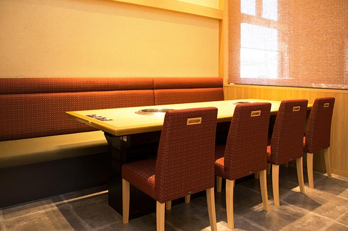 椅子+ソファー席/8名